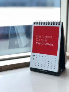 Kalender mit Spruch: Life is short, do staff that matters
